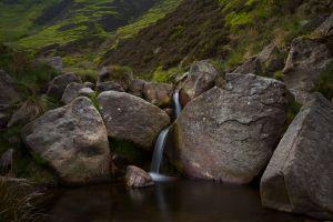 c13-Edale-Boulders1.jpg
