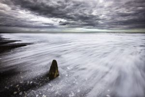 Sandsend Single Groyne lighter.jpg