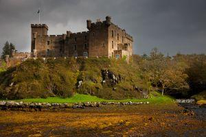 c37-Dunvegan-Castle.jpg